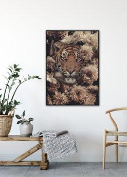 Garden Tiger by Jenni Tervahauta